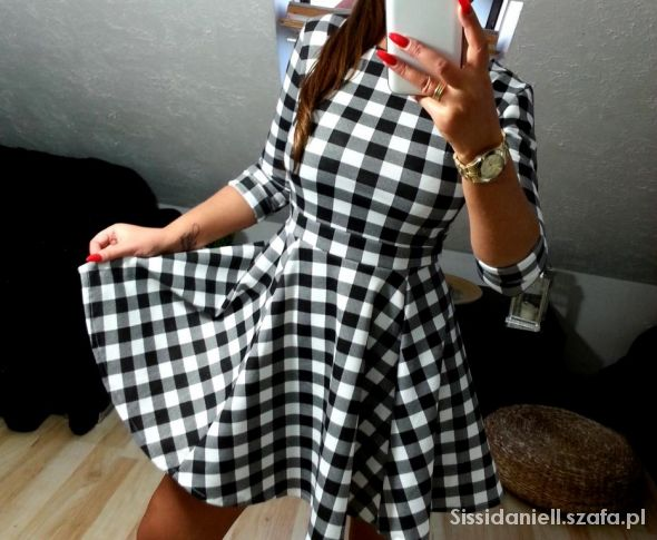 sukienka rokloszowana krata czarno biala 36