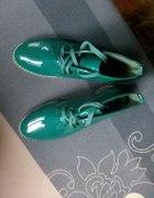 zielone botki lakierki