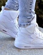 Poszukuje butów Jordan flight 45...