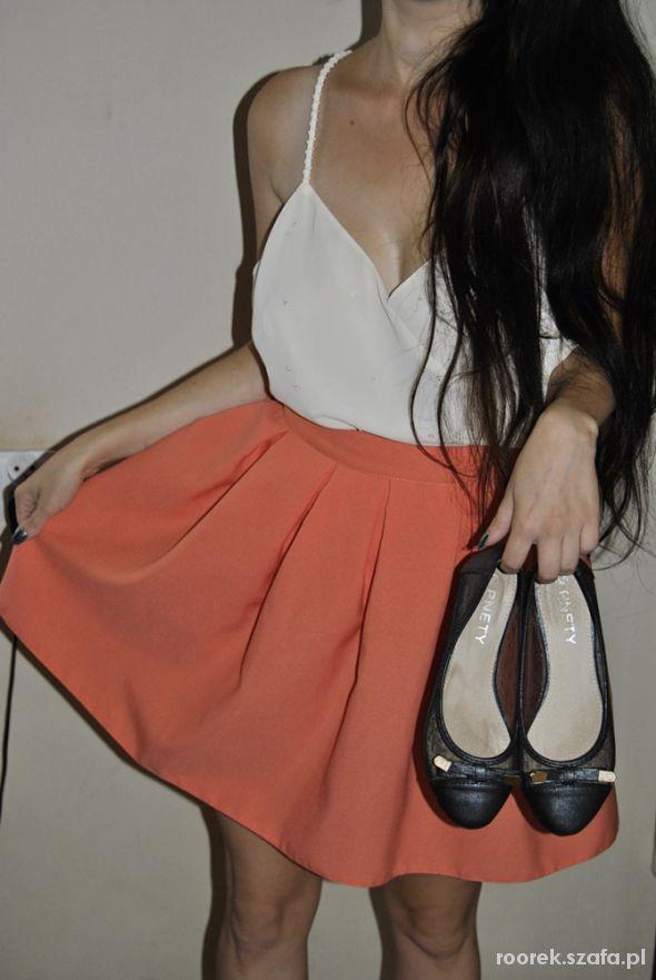 Eleganckie Rozkloszowana spódnica i oversizowy top