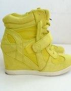 Neonowe sneakersy Deichmann