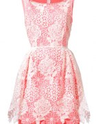 Różowa sukienka Orsay z białą koronką...