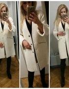 Biały płaszcz Zara