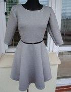 rozkloszowana sukienka z PIANKI szara L