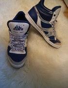 niebieskie srebrne buty za kostkę