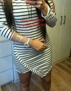 sukienka asymetryczna w paski