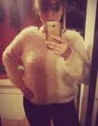 Biały sweterek H&M...
