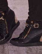 Sneakersy Z łańcuszkiem Zanotki Koturn Black 36