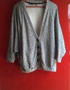 szary sweter o nietoperzym kroju M