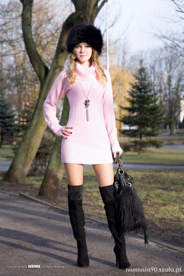 Mój styl Pink Sweater & Fur Hat