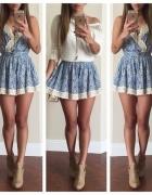 Sukienka błękitna wzory hippie etno biała koronka
