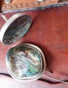 Pierścionek i broszka z macicą perłową...