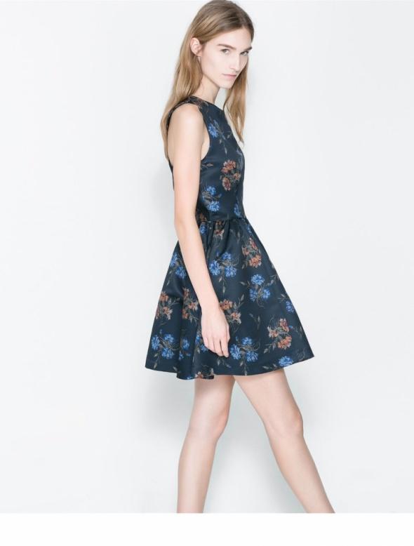 Suknie i sukienki Sukienka ZARA granatowa kwiaty