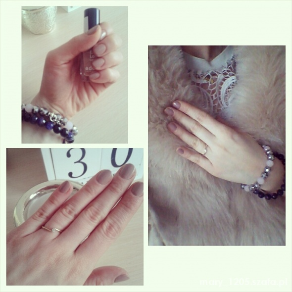 beżowy manicure...