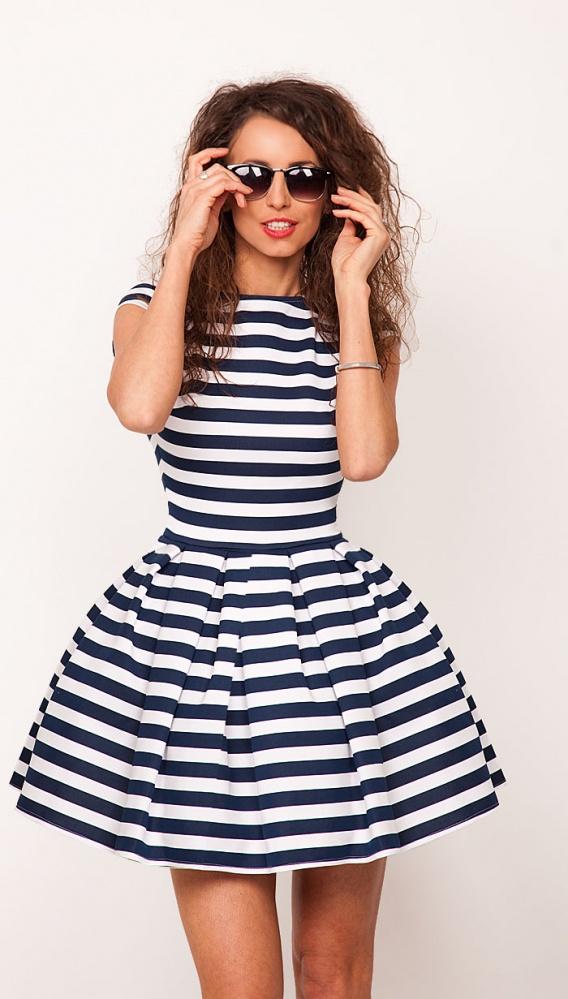 69dcfbe652 Rozkloszowana sukienka w biało granatowe paski S w Suknie i sukienki ...