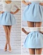 błękitna rozkloszowana spódnica z pianki