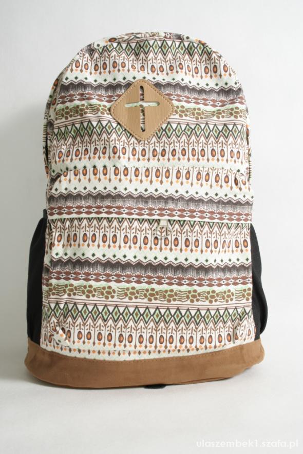 65e1e8f850c96 Piękny plecak Vinted jasne wzory w Plecaki - Szafa.pl