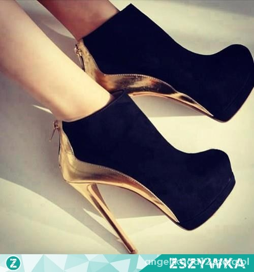 czarne buty ze zlotym obcasem...