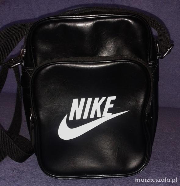 6fd58369a5ce6 Torebka listonoszka Nike torba saszetka czarna w Torebki na co dzień ...