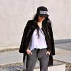 Czarny płaszcz zamszowy