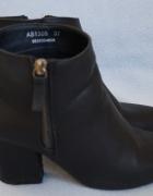 czarne botki ze złotym zamkiem 37