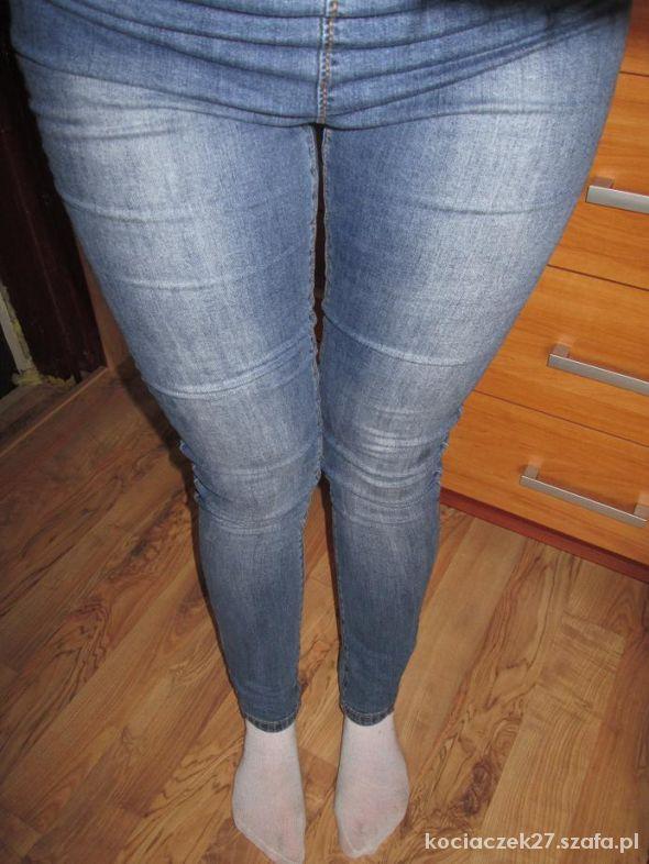 tregginsy H&M jeans wycierane TANIO