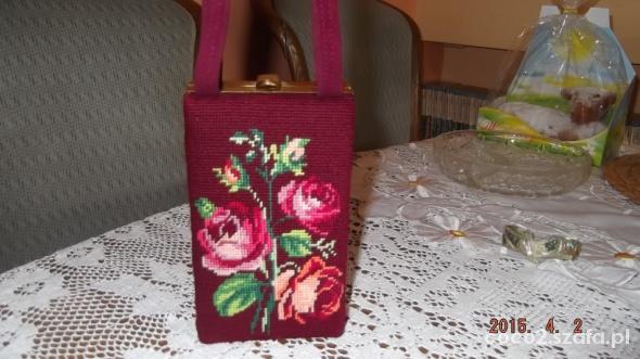Kuferek Haftowane róże...