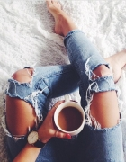 jeansy dziury przetarcia boyfriendy