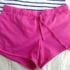 Spódnica w paski plus różowe spodenki
