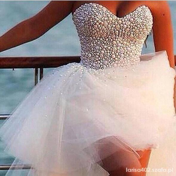 Piekna sukieneczka