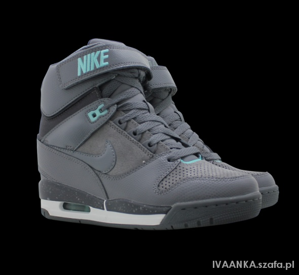 NIKE AIR REVOLUTION SKY HI...