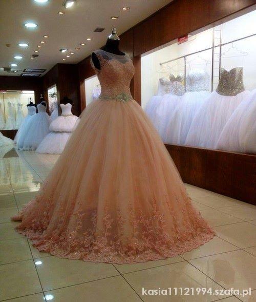 Na specjalne okazje Piękna suknia