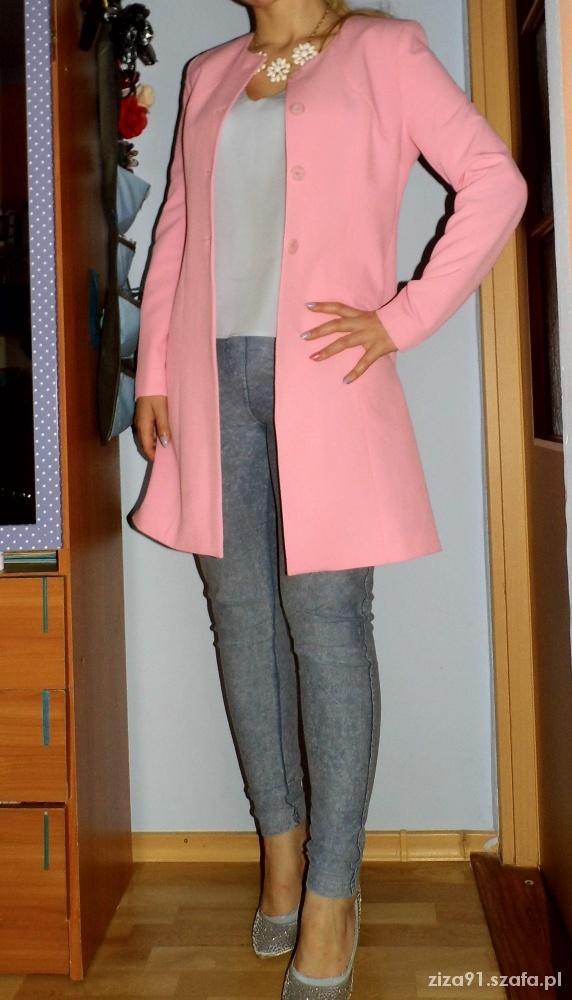 Codzienne moj styl pudrowy rozowy plaszcz jasne kolory modne
