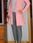 moj styl pudrowy rozowy plaszcz jasne kolory modne