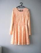 Koronkowa sukienka cropp...