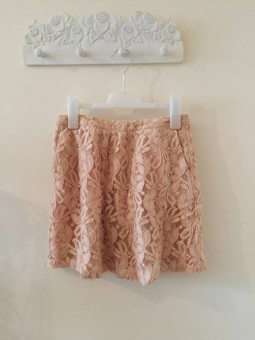Spódnice Reserved pudrowa koronkowa zip S