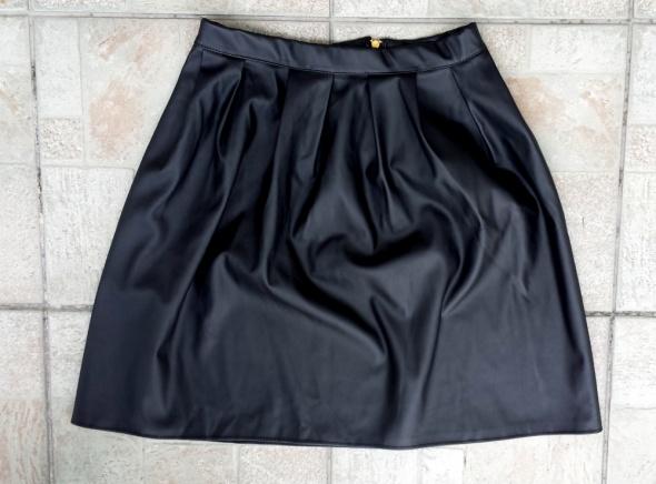 Spódnice Spódnica eko skóra czarna rozkloszowana 38 M