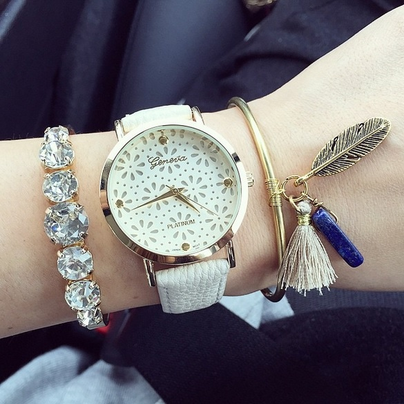 Zegarek Geneva podwójna koronka biały pasek