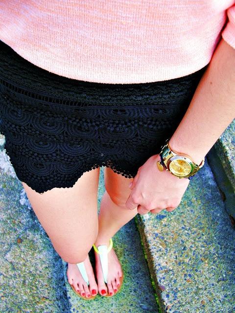 Blogerek WIosenno letnia stylizacja koronkowe szorty HIT