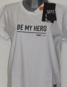 Plny Lala koszulka Be My Hero White Tee XS nowa