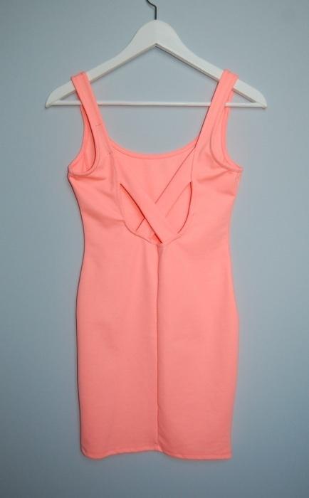 Ubrania Różowa sukienka Pull&Bear