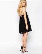 Sukienka Pull&bear czarna zwiewna z lancuszkami
