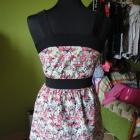 sukienka w kwiaty z zamkiem z przodu
