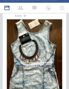 marmurkowa jeansowa sukienka