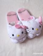 Kapcie Hello Kitty...