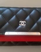 Śliczny portfel Chanel