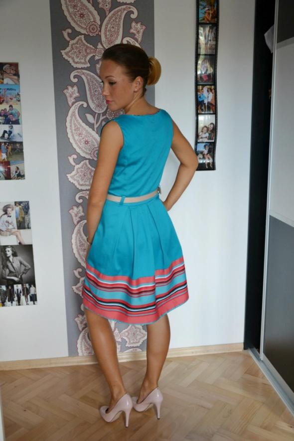 Eleganckie Niebieska sukienka