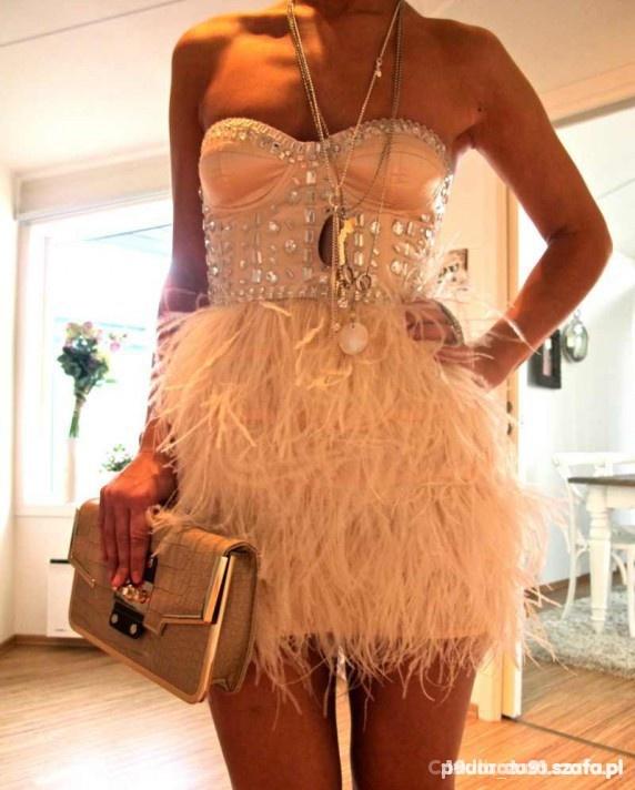 Ubrania sukienka asos z piorami
