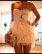 sukienka asos z piorami