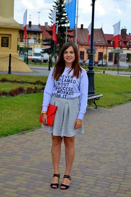 Blogerek codzienny zestaw z bluzą z napisami